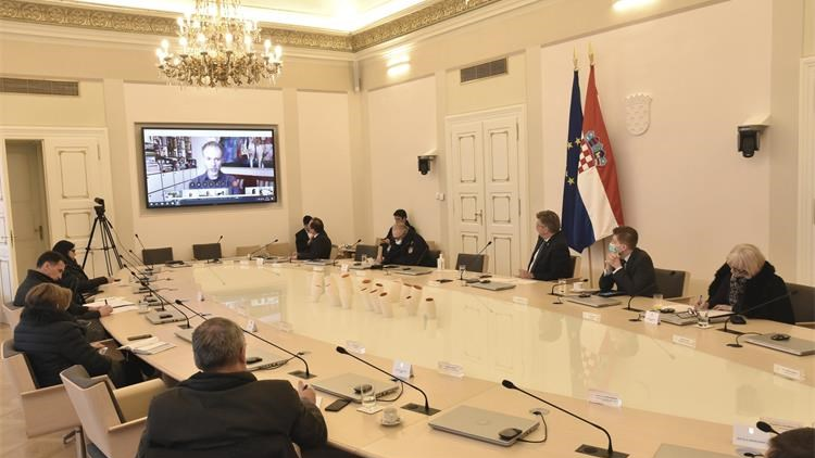 Croatian PM discusses fight against coronavirus with Croatian scientists
